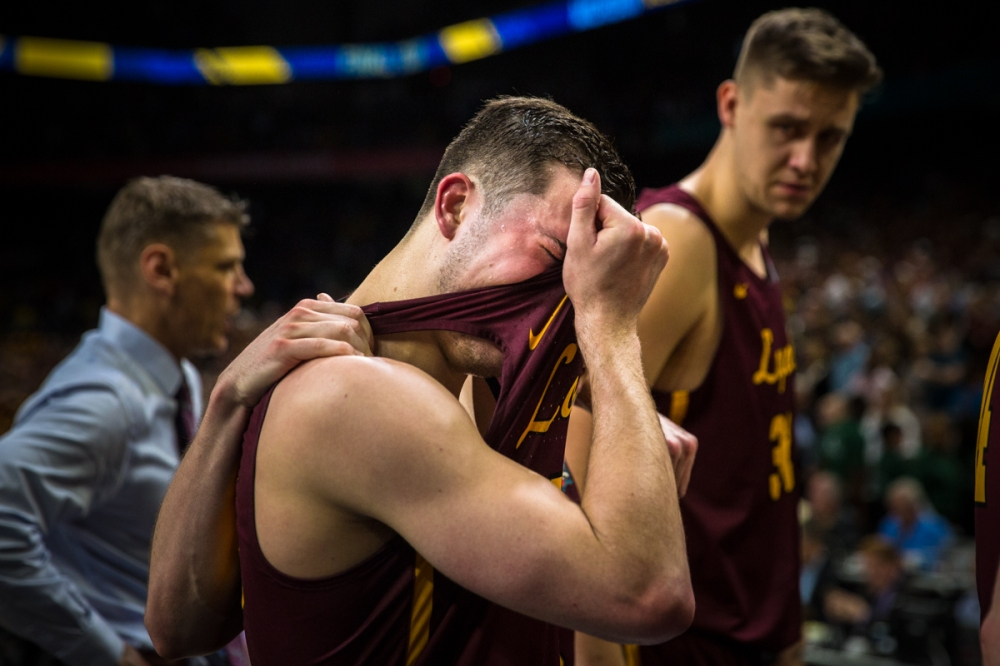 Loyola Ramblers take on the University of Michigan in the Final
